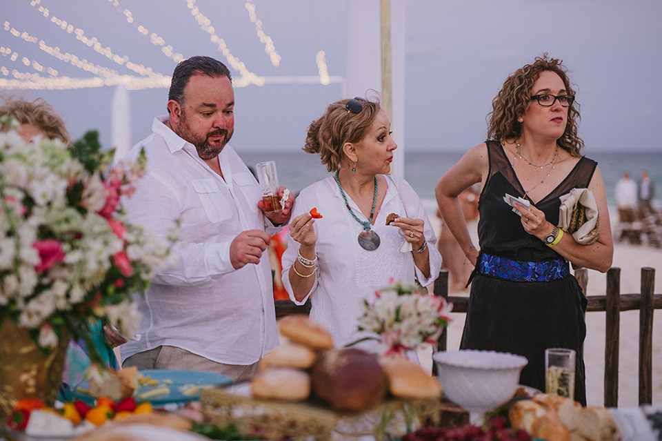 Sam+Alejandro_PlayadelCarmen_KapePhotography_destinationwedding_weddingphotography_mexico_fotografo_boda_cancun_rivieramaya_villasolyluna108.jpg