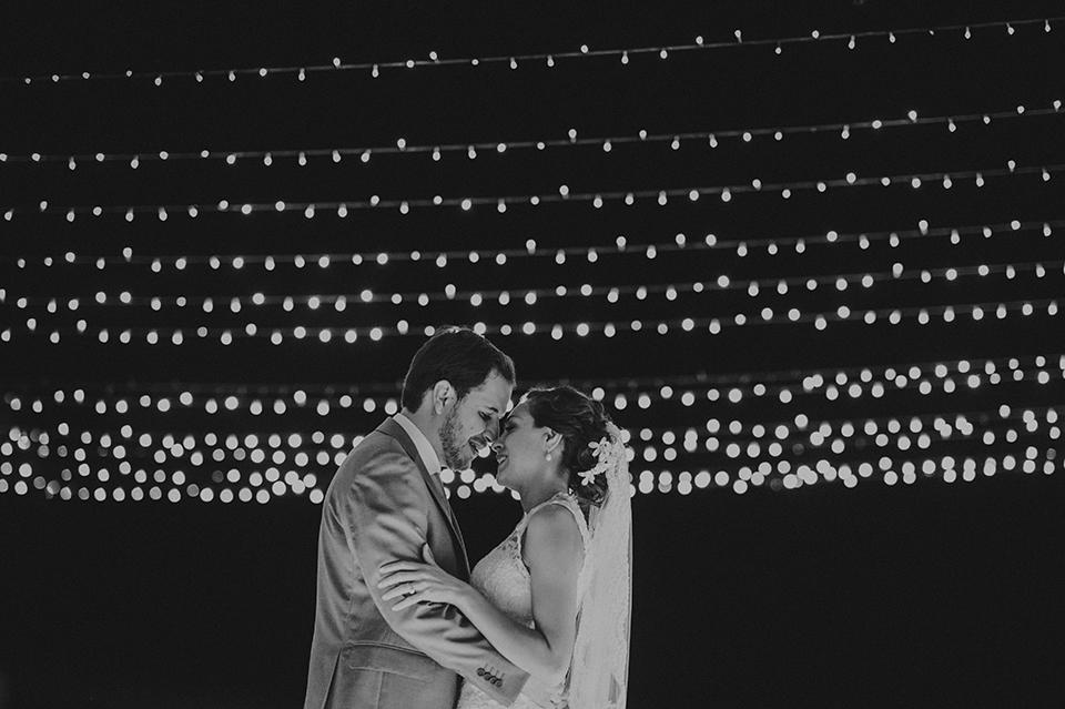 Sam+Alejandro_PlayadelCarmen_KapePhotography_destinationwedding_weddingphotography_mexico_fotografo_boda_cancun_rivieramaya_villasolyluna122.jpg