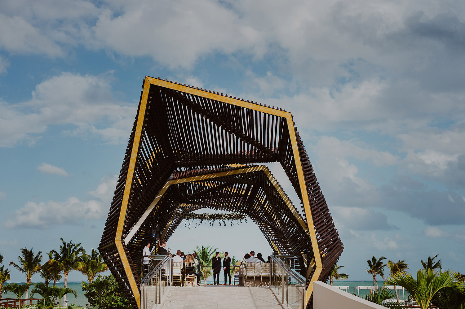 CherylReed_Wedding_Kape_Photography_WeddingPhotography_Mexico_Boda_Fotografia_Royalton_Hideway_Cancun_RivieraMaya_PlayadelCarmen_Beach_192FB_BLOG.jpg