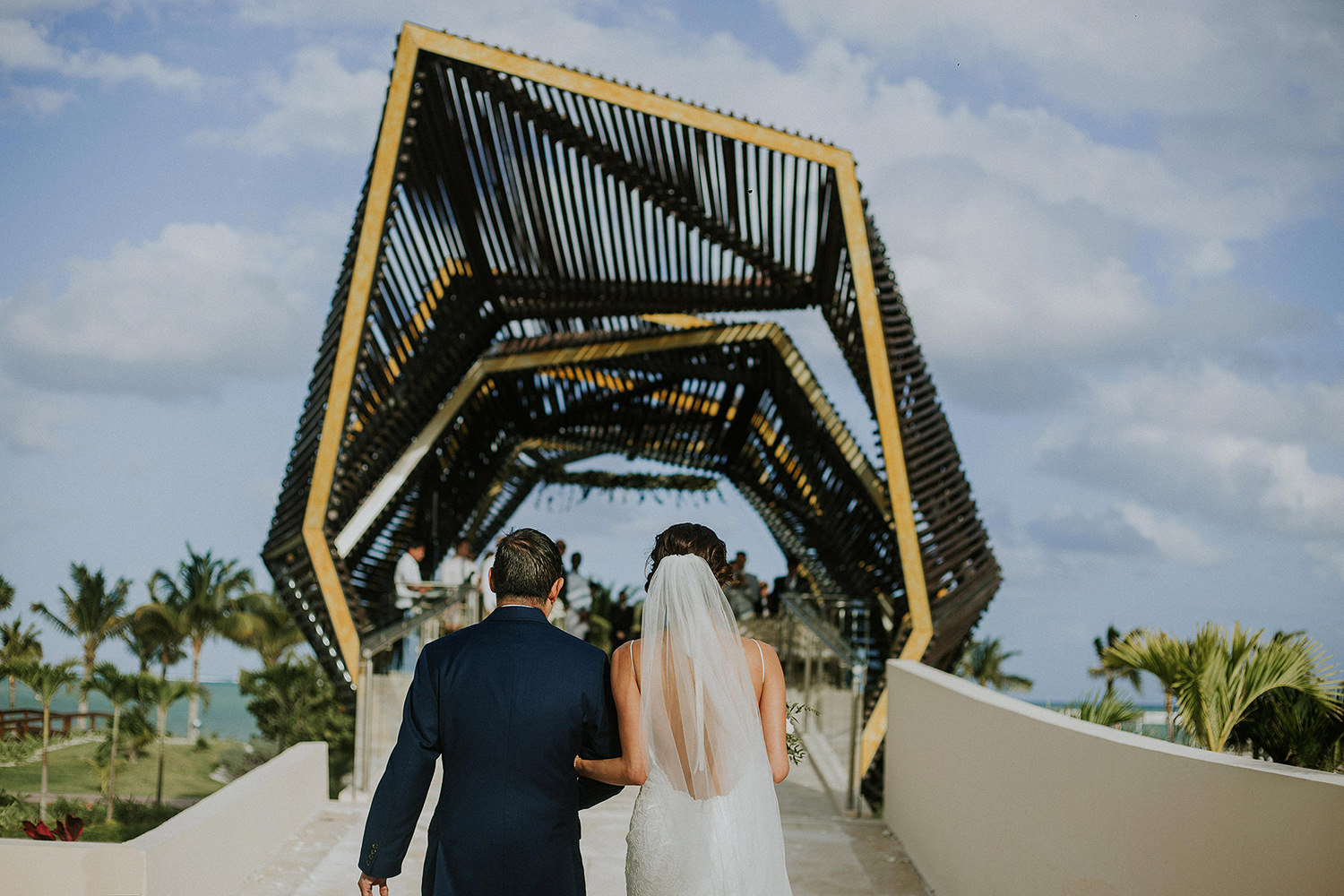 CherylReed_Wedding_Kape_Photography_WeddingPhotography_Mexico_Boda_Fotografia_Royalton_Hideway_Cancun_RivieraMaya_PlayadelCarmen_Beach_235FB_BLOG.jpg