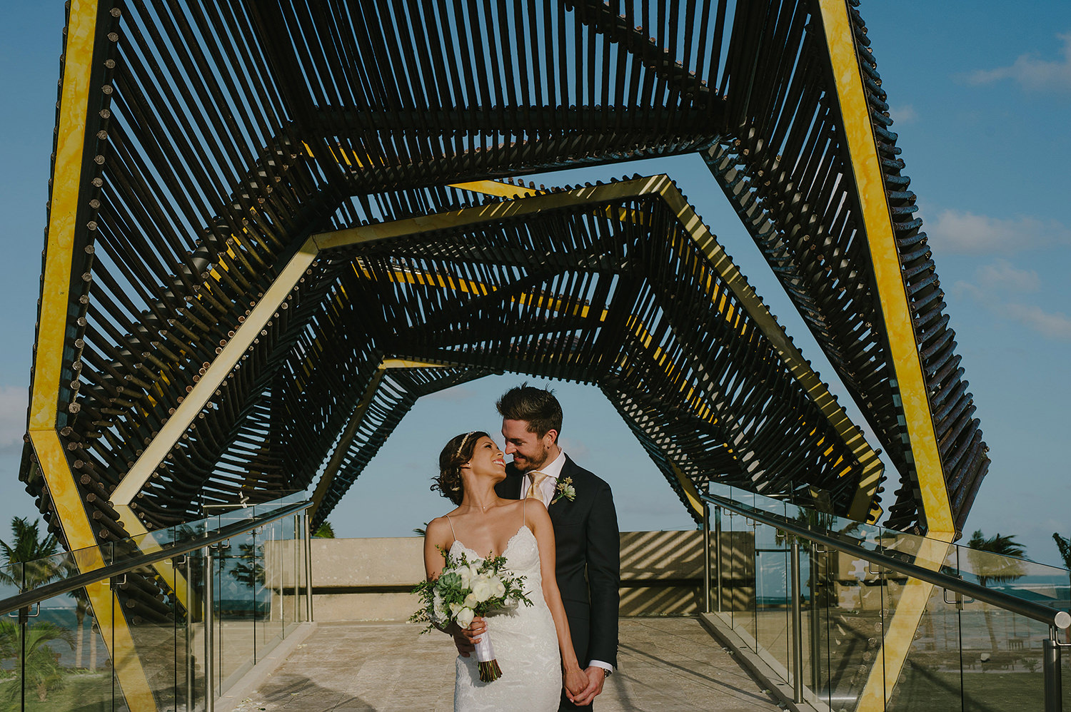 CherylReed_Wedding_Kape_Photography_WeddingPhotography_Mexico_Boda_Fotografia_Royalton_Hideway_Cancun_RivieraMaya_PlayadelCarmen_Beach_429FB_BLOG.jpg