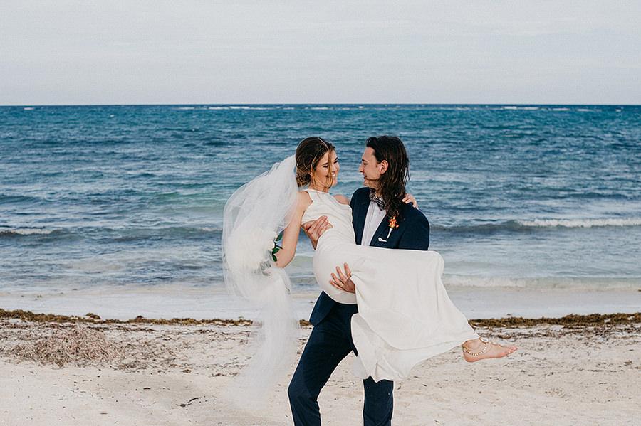 AllisonLevi-Tulum-Wedding-Photographer-204.jpg