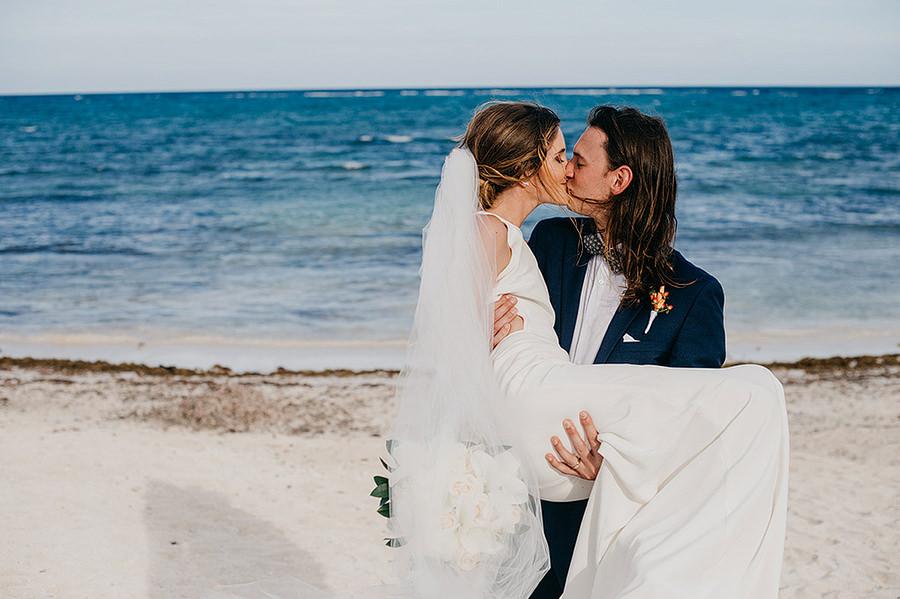 AllisonLevi-Tulum-Wedding-Photographer-207.jpg
