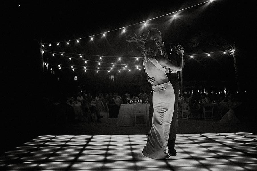 AllisonLevi-Tulum-Wedding-Photographer-451.jpg