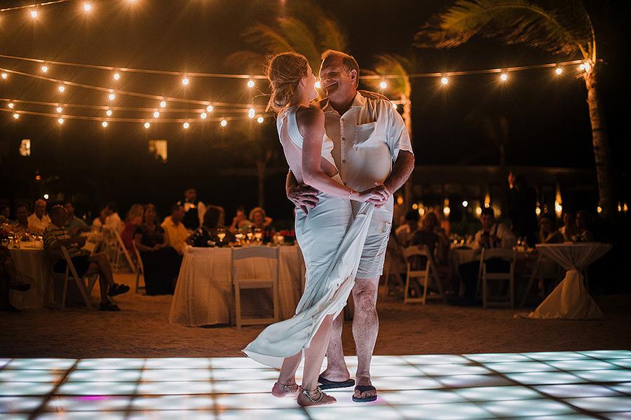 AllisonLevi-Tulum-Wedding-Photographer-455.jpg