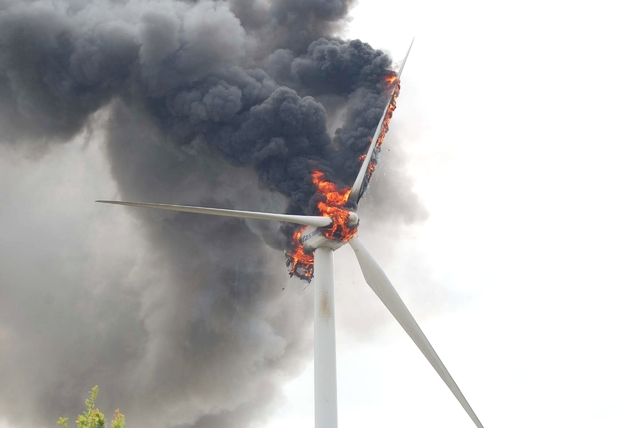Conventional Wind Machine nacelle fire caused by overloading