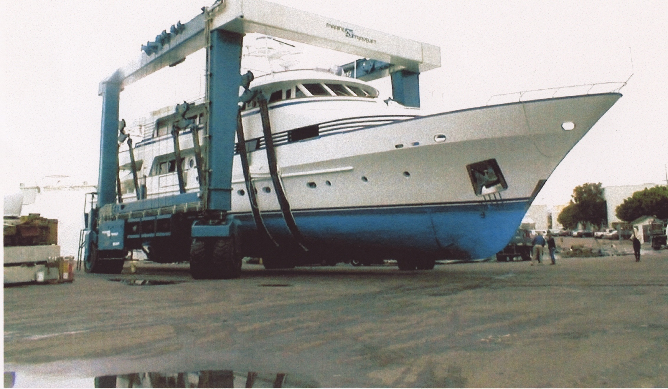 300 Ton Marine Travelift
