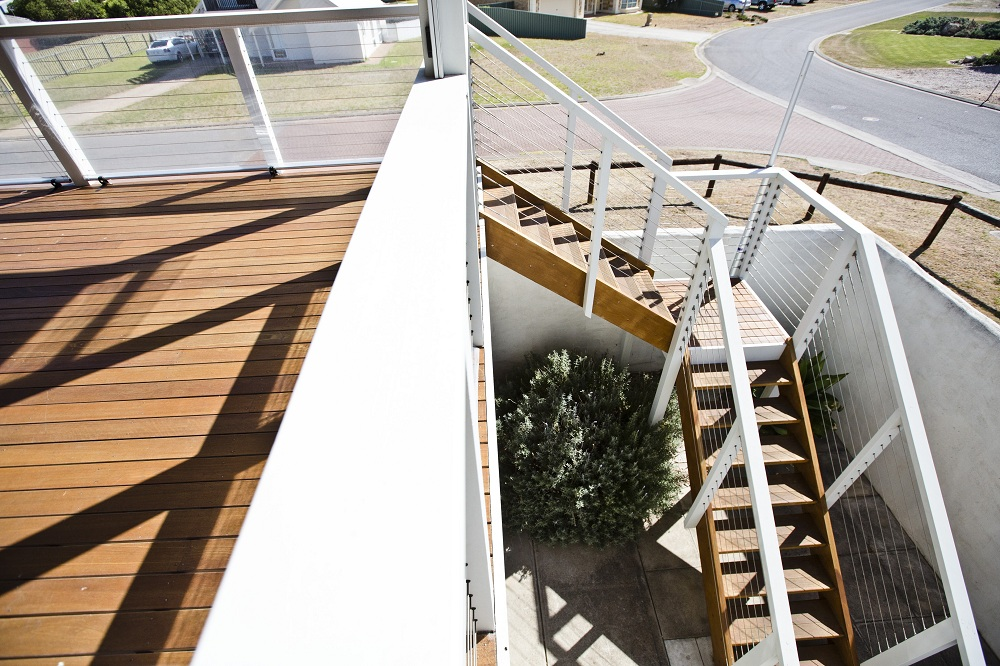 Decking and Stairs 29.jpg