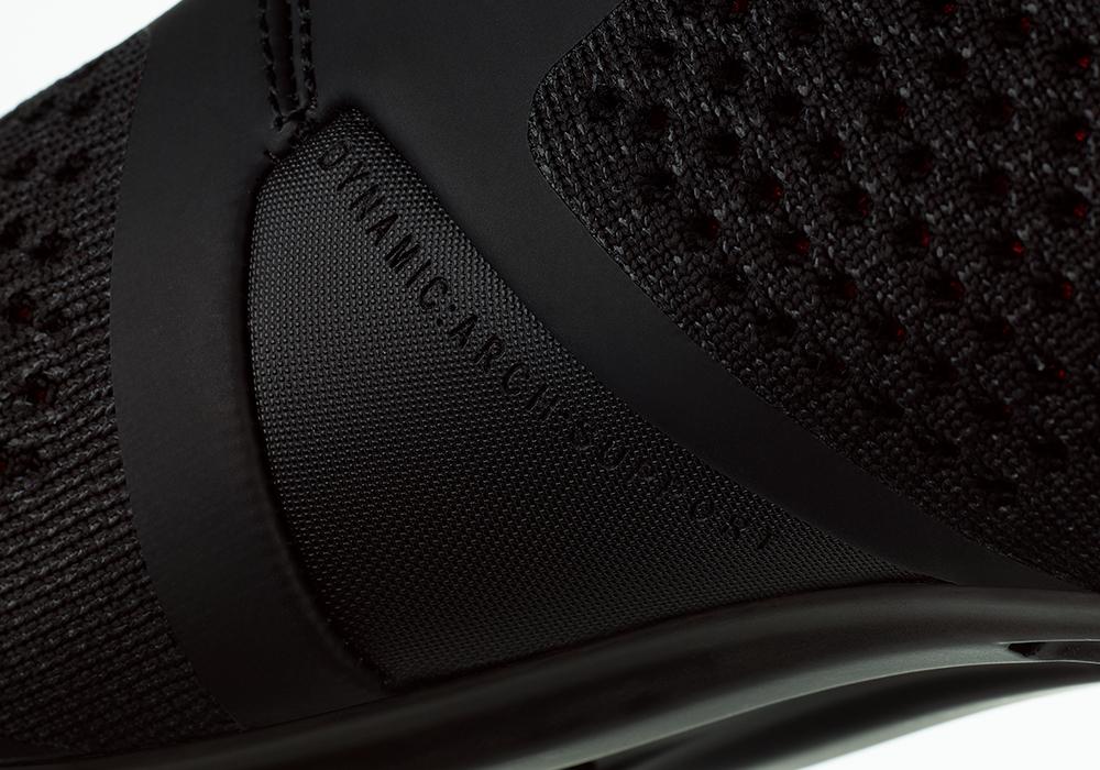 infinito-r1-knit-black-detail2.png