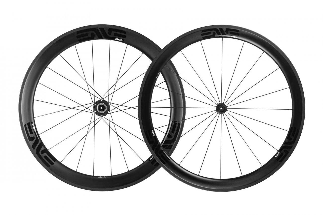 SES 4.5 - The ultimate everyday carbon fiber cycling wheelset and choice of Team Dimension Data.