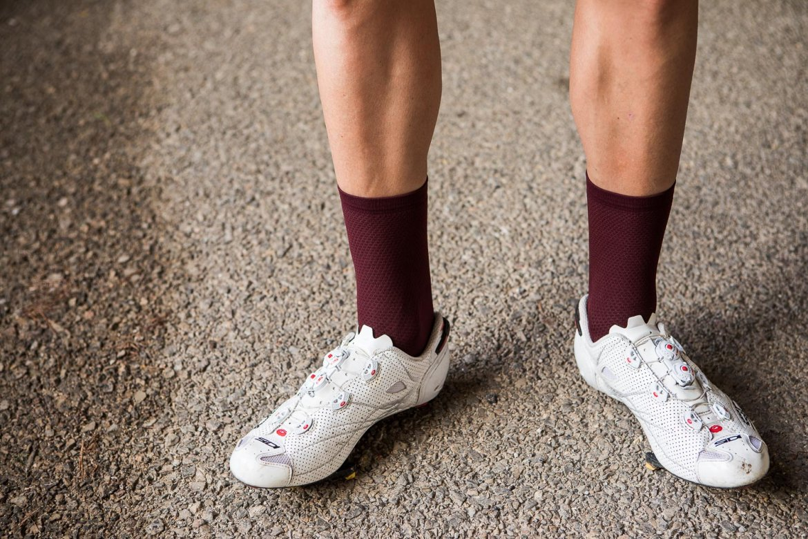 ECHELON SOCKS FIRED RED - Echelon is a pair of simple performance socks to keep your feet cool and dry as you pedal.