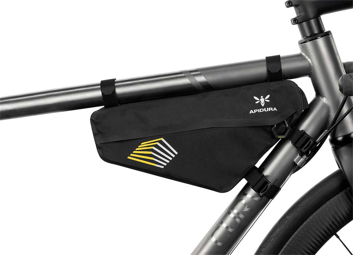 RACING FRAME PACK (2.4L) - The Racing Frame Pack utilises the area inside a bike's main triangle, creating a lower centre of gravity and enabling more neutral handling.