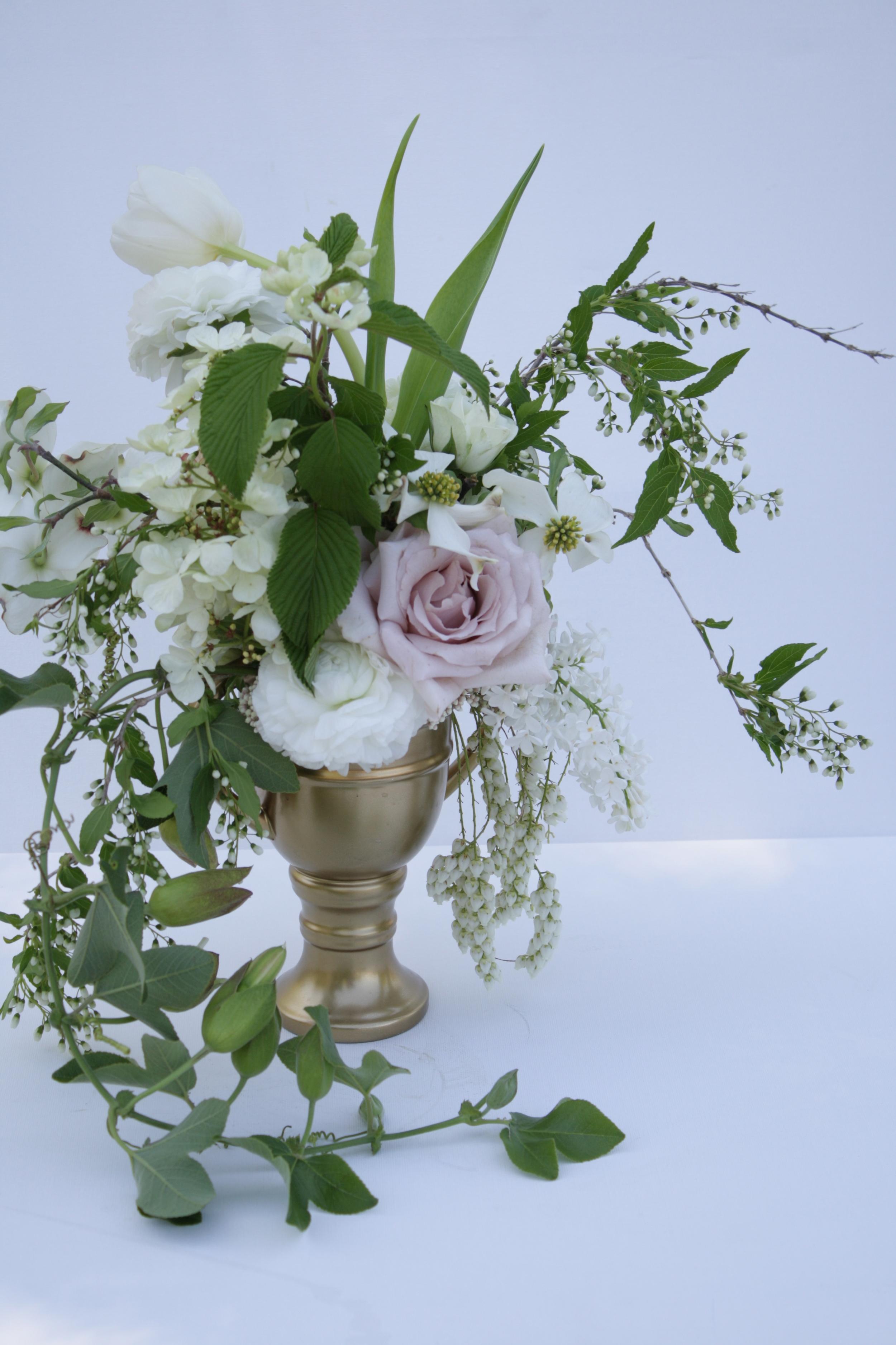 blush wedding centerpiece.jpg