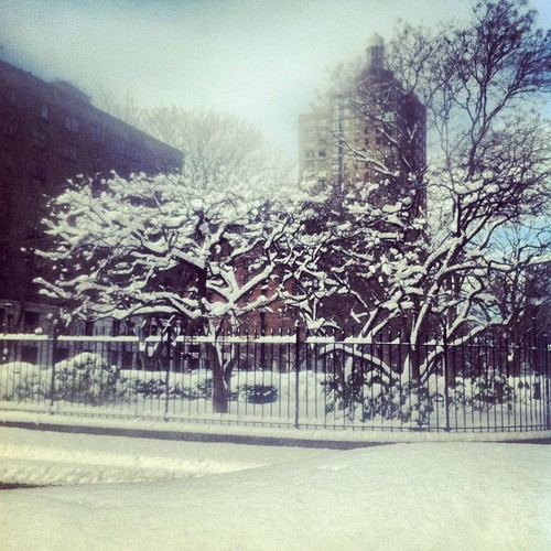10am. Battery Park City. One foot of snow.