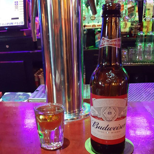 #Vday with my favorite #ladies #budweiser #jameson