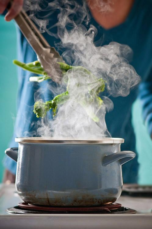 steamed broccoli rabe