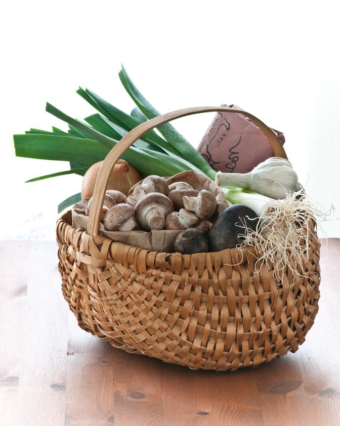Edith Clayton market basket