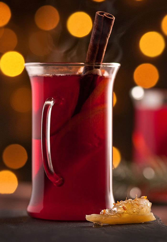 spiced mulled wine with citrus
