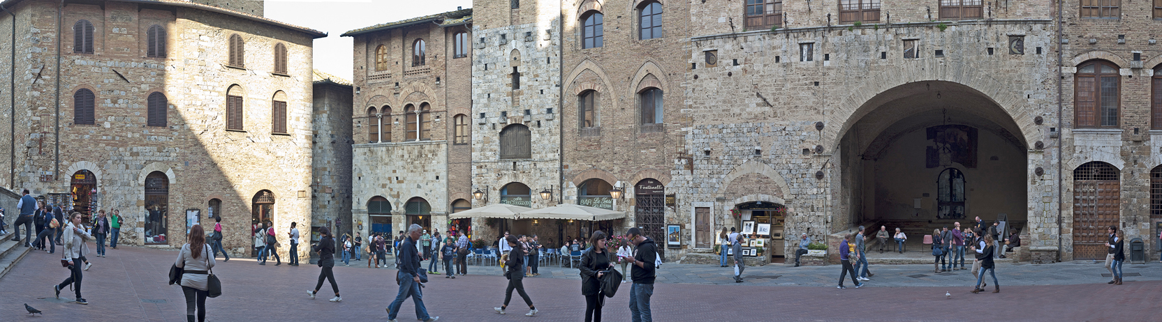 Piazza Duomo- San Gimignano, click on image for larger view.