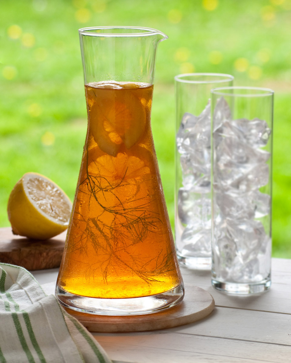 carafe of iced tea