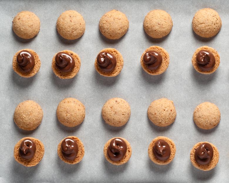 gluten-free hazelnut cookies