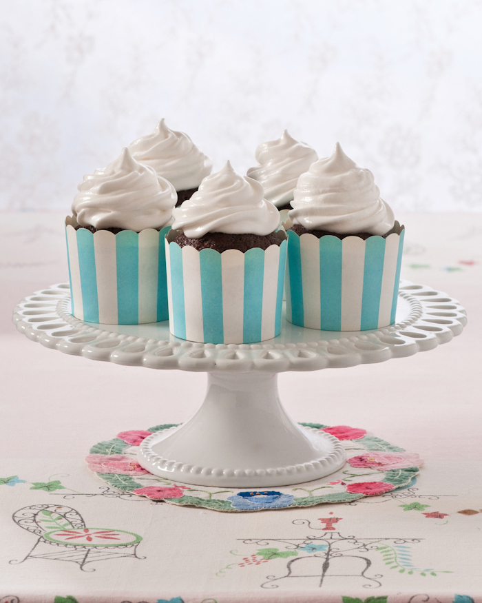 chocolate cupcakes with seven minute icing