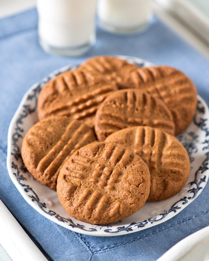three ingredient gluten-free peanut butter cookies
