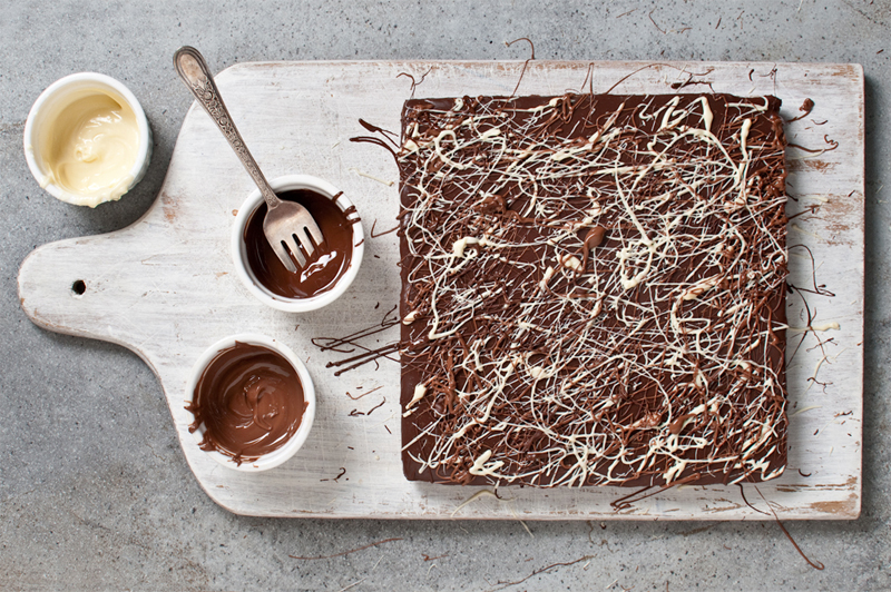 chocolate drizzled gluten free peanut butter squares