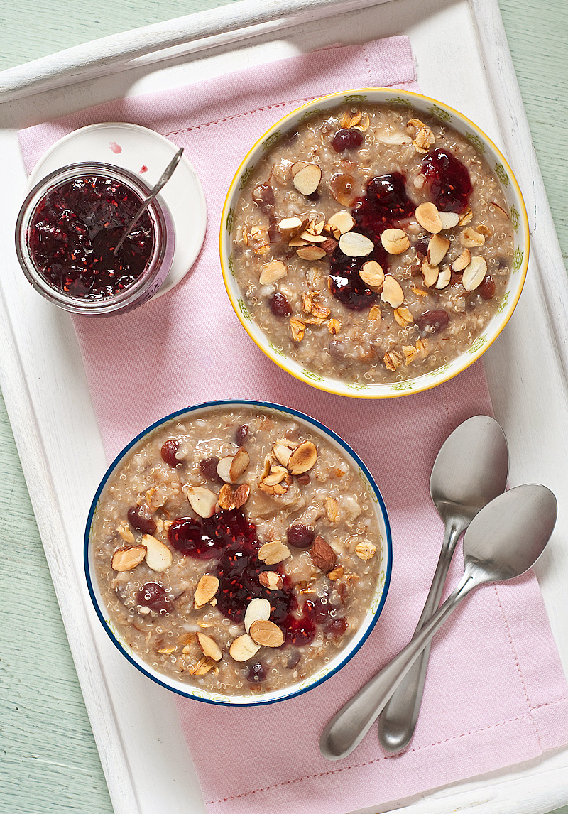 toated oat quinoa breakfast cereal fruit and nuts