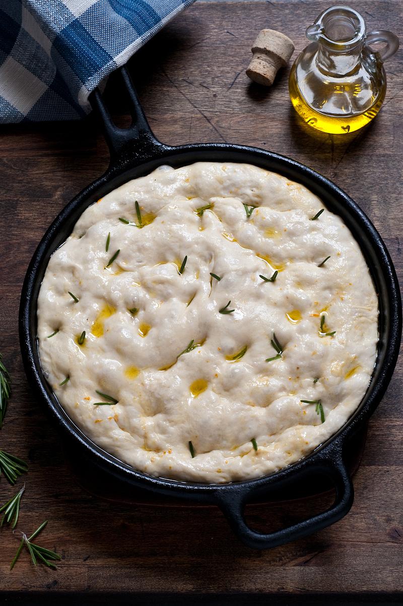 no-knead foccacia dough
