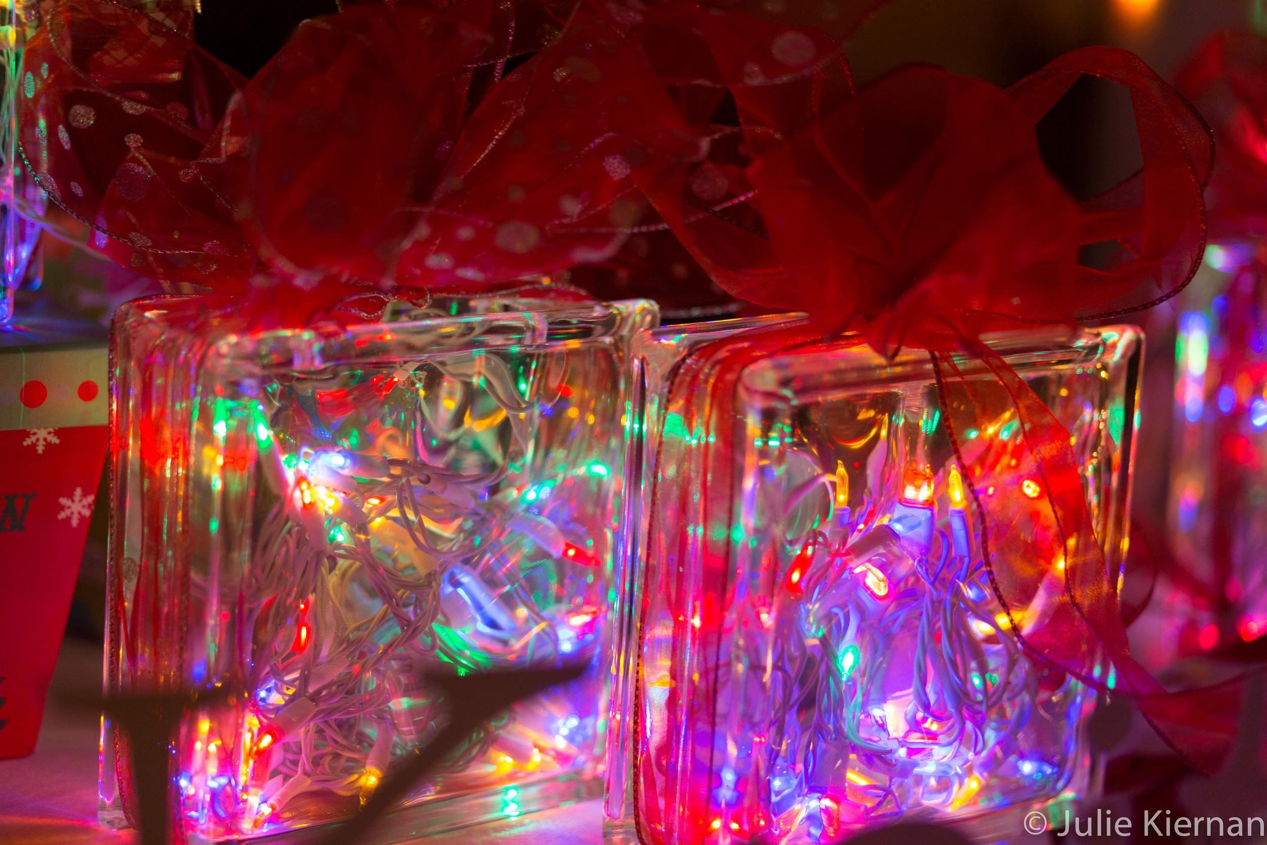 13:52-1 Holiday Lights