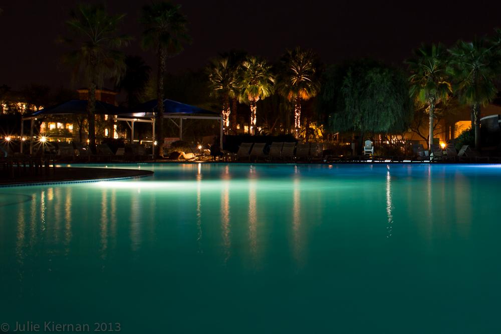 29:1 Palm Desert Pool Light
