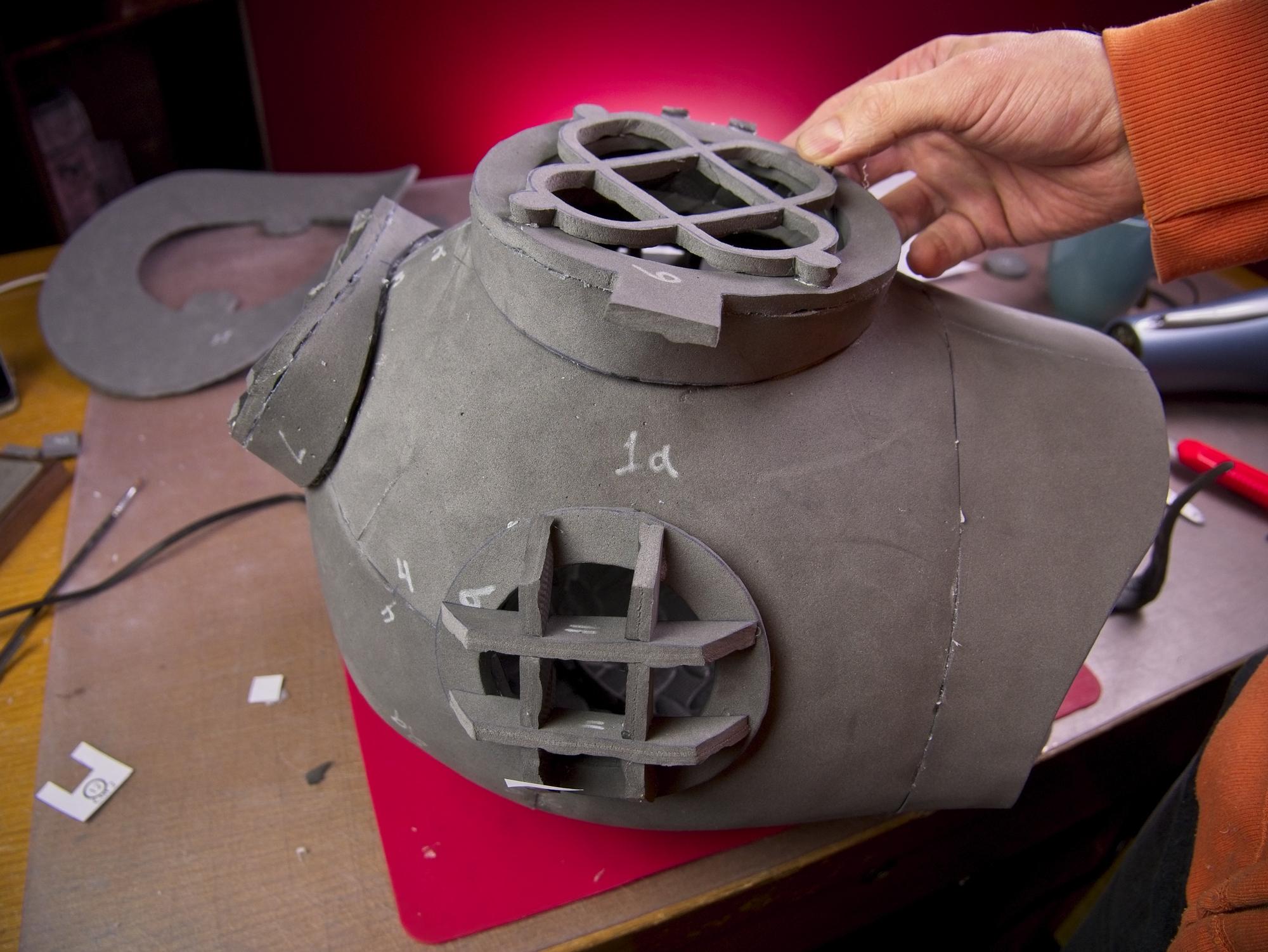 Dive helmet61.jpg