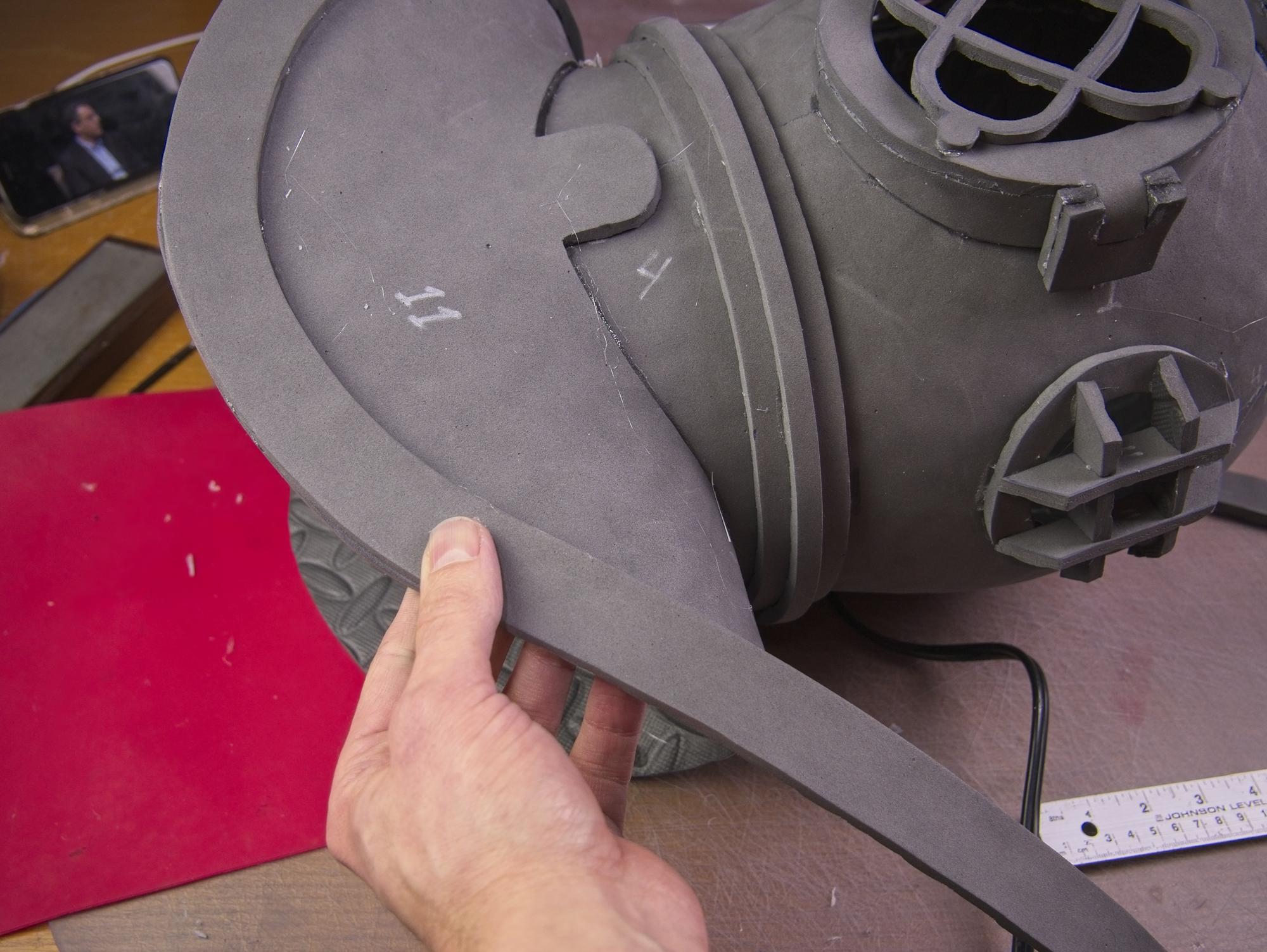 Dive helmet75.jpg