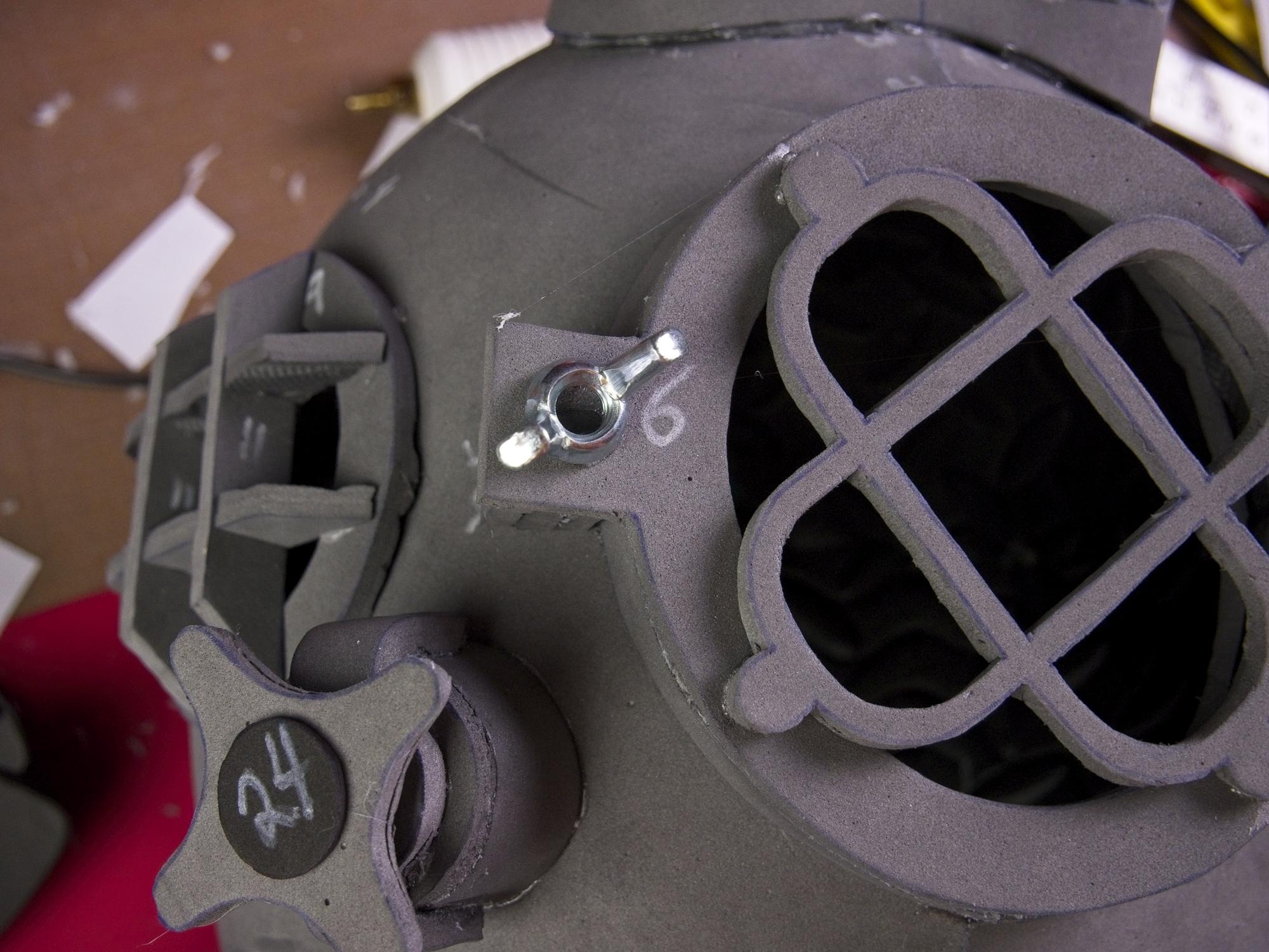 Dive helmet109.jpg