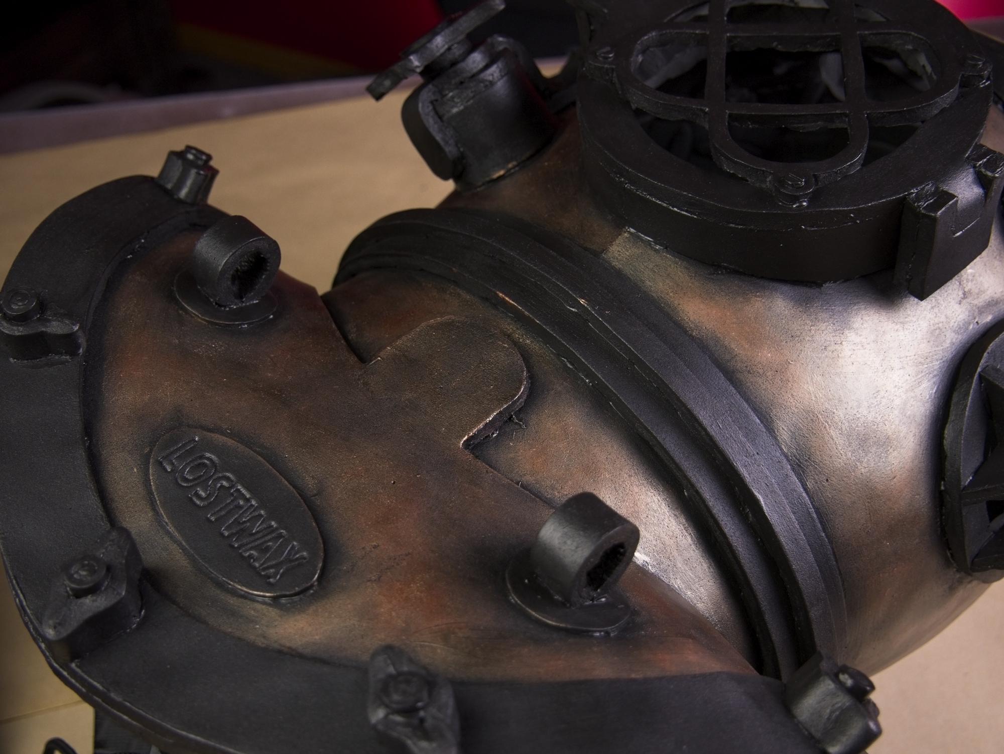 Dive helmet128.jpg