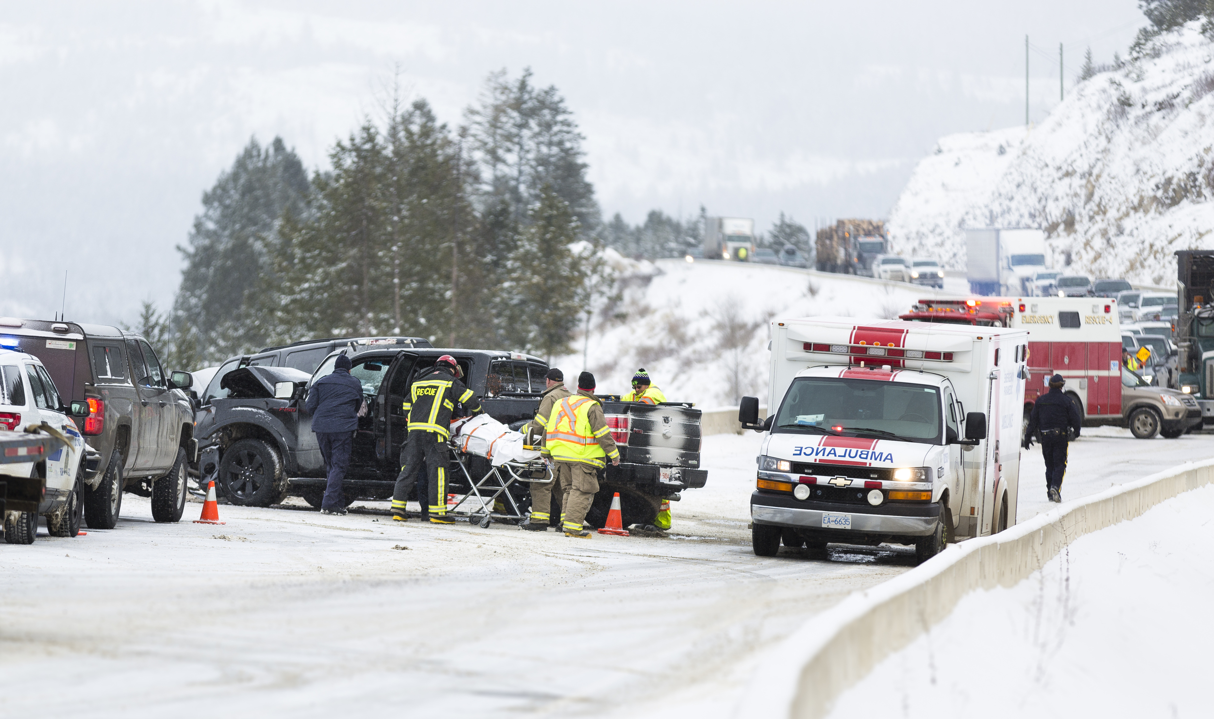 Four injured in steamboat hill crash -