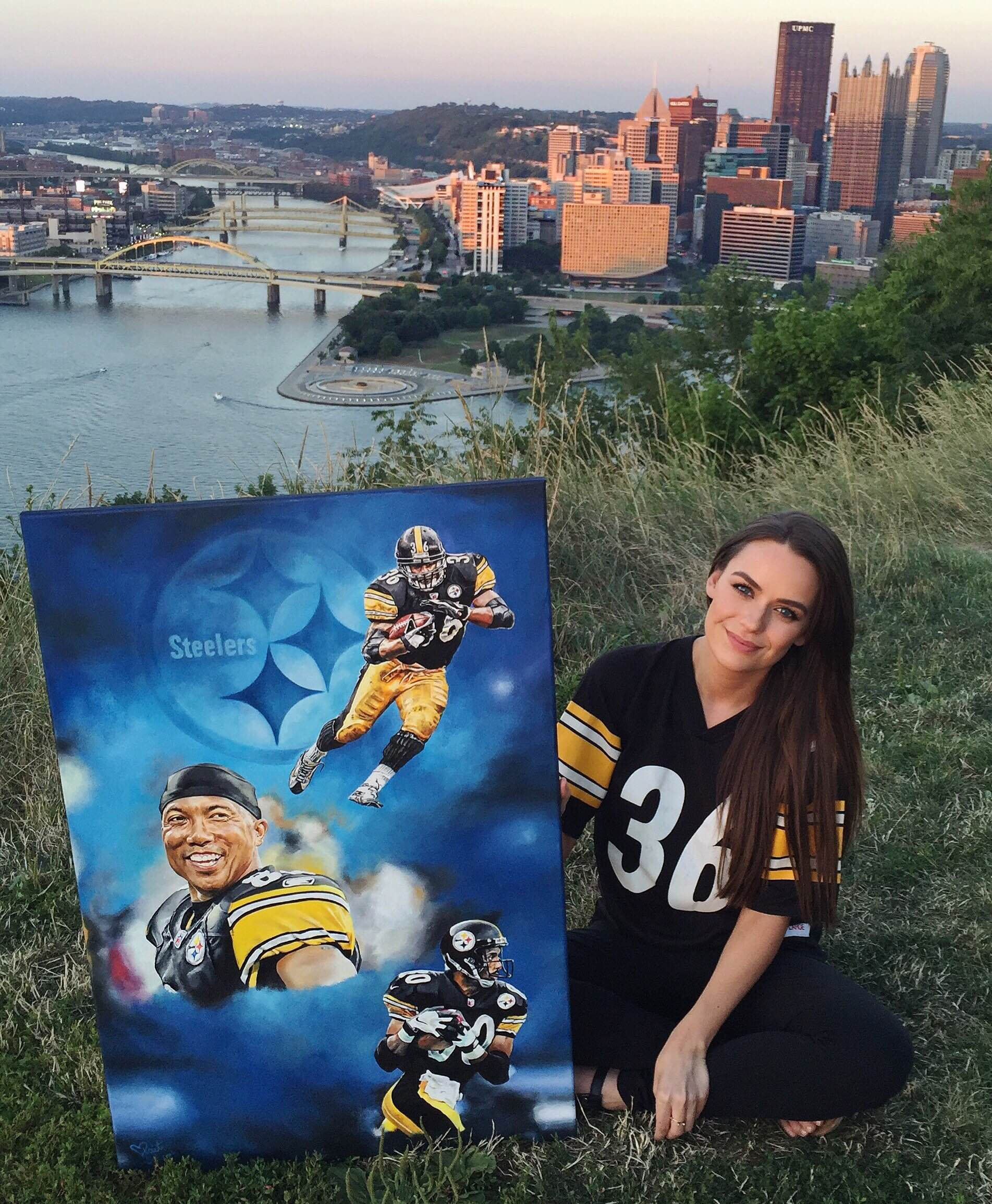 "Kait with painting "" Blue Steel"" on Pittsburgh's Mt. Washington Overlook"