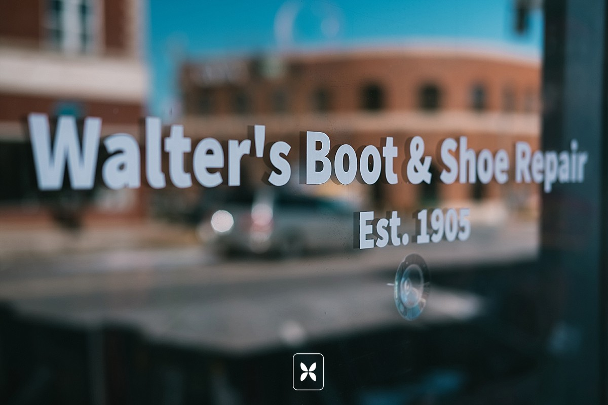 novo_studio_commercial_photography_walters_boot_repair_0003.jpg