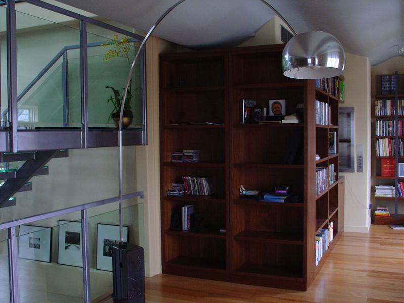 bookshelf-3.jpg