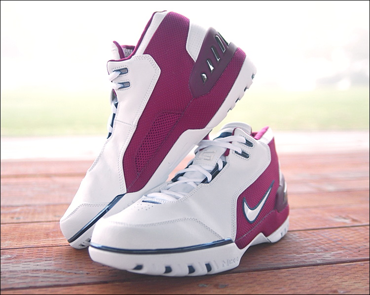 figure 3.  It's clear that heat and moisture management were key concerns in the development of the Nike Air Zoom Generation. First there's the Sphere inner bootie built into the shoe, but the materials and design of the outer also maximize airflow. An obvious example is the large vent cut out of the medial arch of the shoe as pictured above.