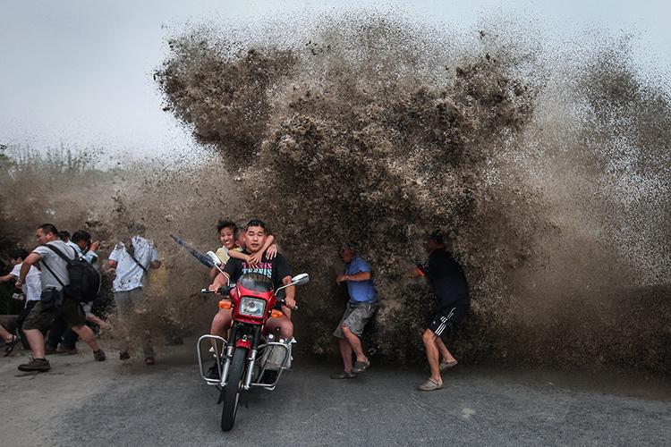 August: Xu Kangping for EPA (Hangzhou, China)