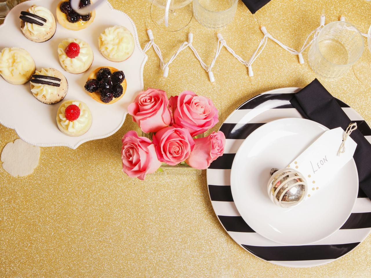 Original_Jeanine-Hays-new-years-eve-upcycle-ornament-place-setting_h.jpg.rend.hgtvcom.1280.960.jpg
