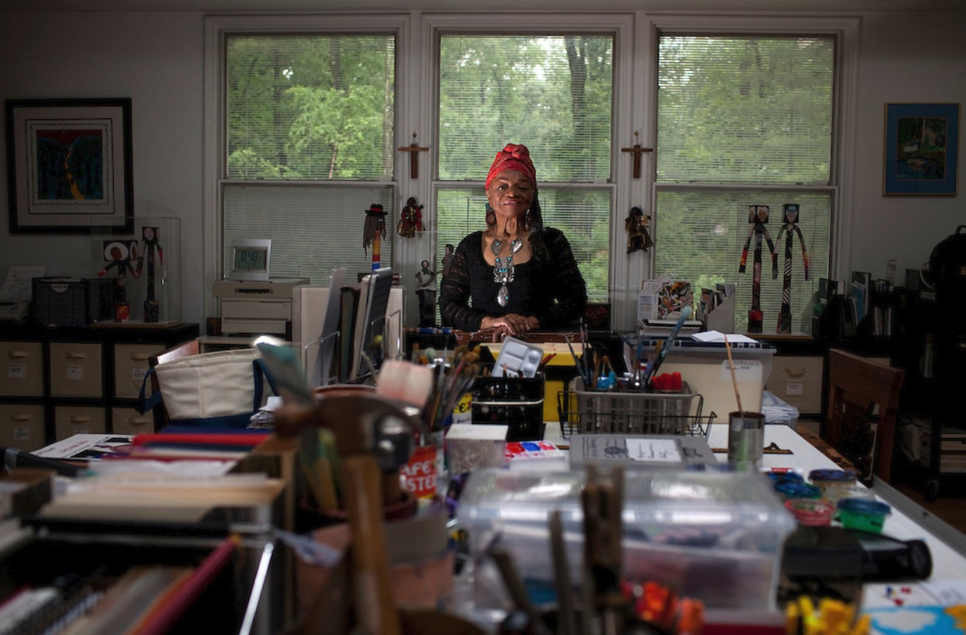 photo: Faith Ringgold in her studio at her home by Melanie Buford/Prime for the Washington Post, 2013 - https://melanieburford.photoshelter.com/image/I0000wx5iDlZrP14