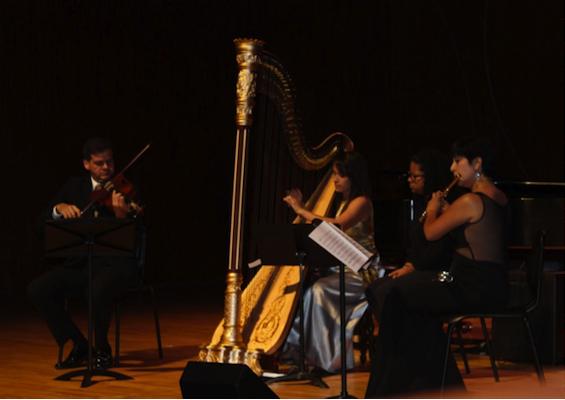 Emanuel Olivieri, viola, Eliza Torres, arpa y Alhelí Pimienta, flauta. Foto suministrada.