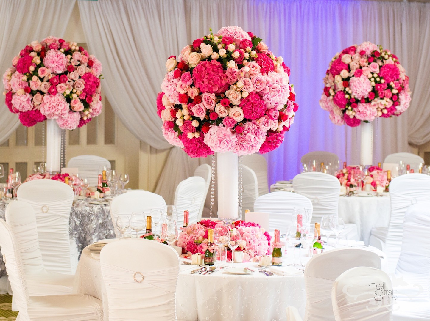 Elegance and opulence in a fabulously flowery summer setting