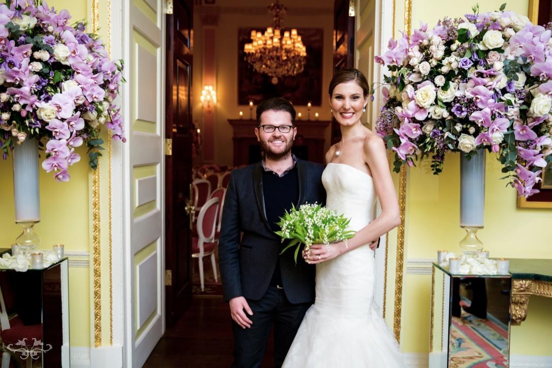 Luxury wedding flowers by Neill Strain