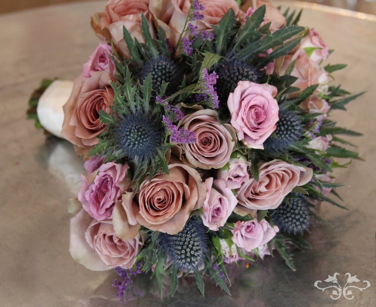 Traditional bridal bouquet by Neill Strain