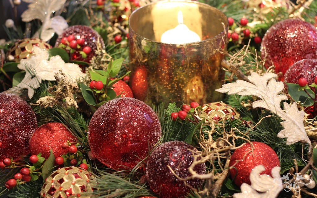 Neill Strain red gold candle wreath.jpg