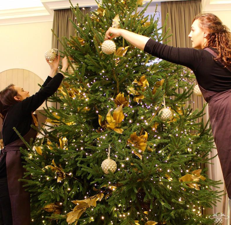 Neill Strain luxury Christmas Tree decorating.jpg